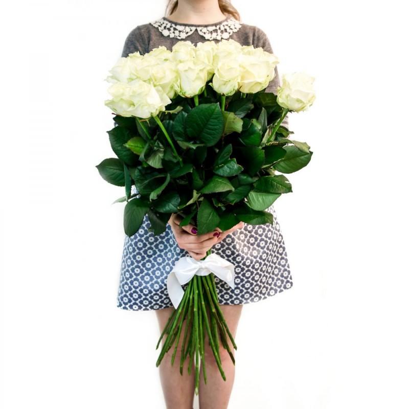 РОЗИ - Първокласна еквадорска бяла роза - AVALANCHE - 90 см