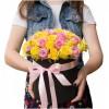 ВСИЧКИ БУКЕТИ РОЗИ - 29 Пъстроцветни рози в кутия