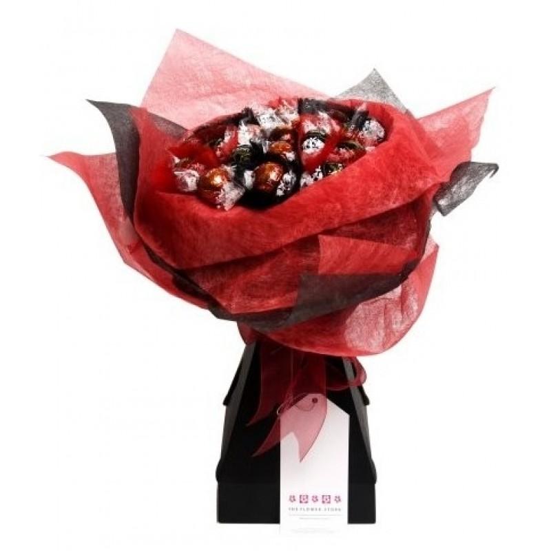 БУКЕТИ ОТ БОНБОНИ - Lindt - букет бонбони в червено