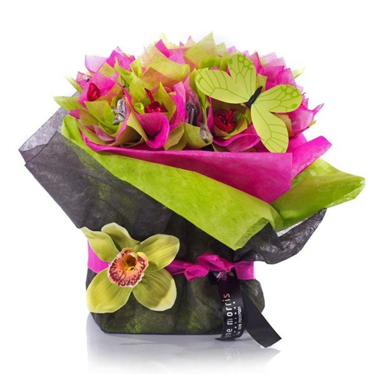Букет в розово, зелено и орхидеи