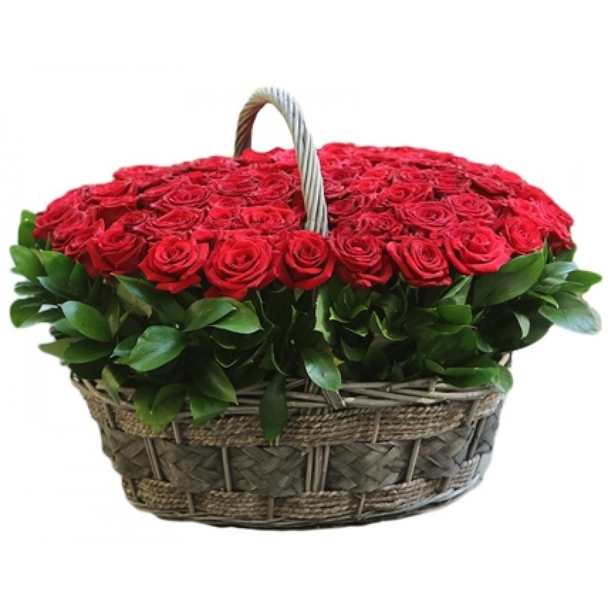 Кошница от 101 червени в кръгла кошница с дръжка