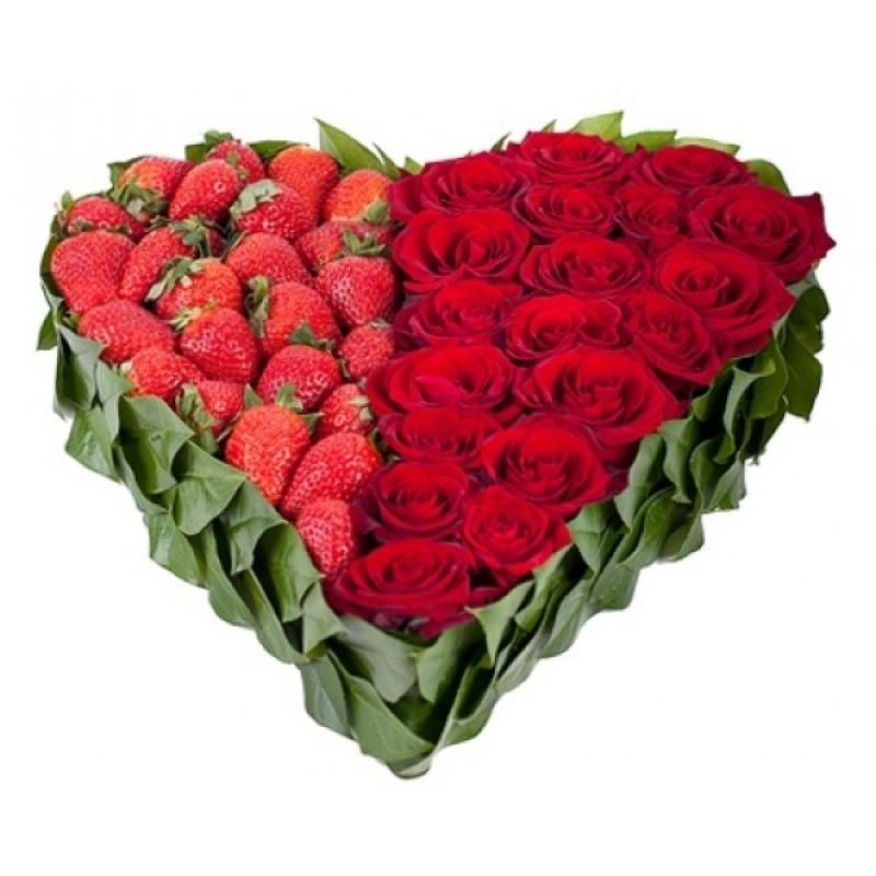 ВСИЧКИ БУКЕТИ РОЗИ - Сърце от 19 Червени Рози и Ягоди